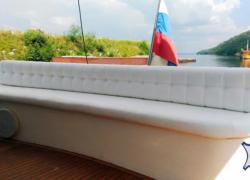 Перетяжка мебели и салона яхт и катеров